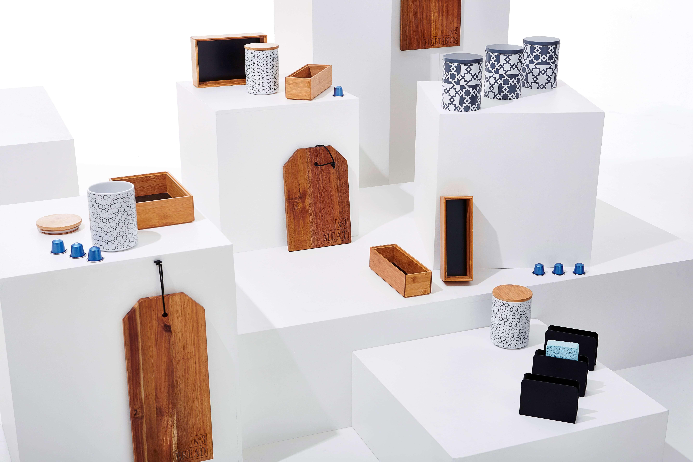 Photo ambiance cubique d'ustensiles de cuisines shooté en studio à Lille (59) pour une publicité